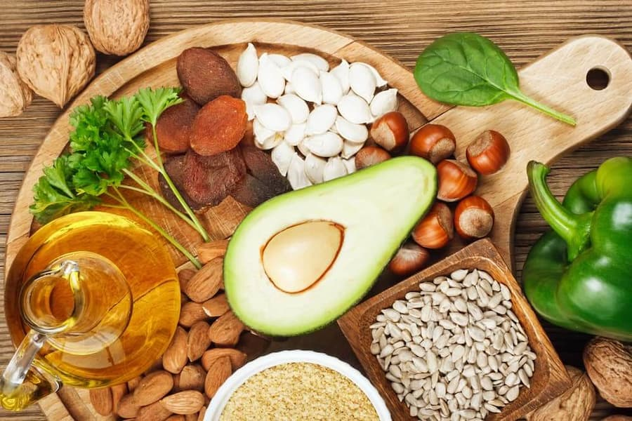 vitamins for healthy skin, vitamin E foods